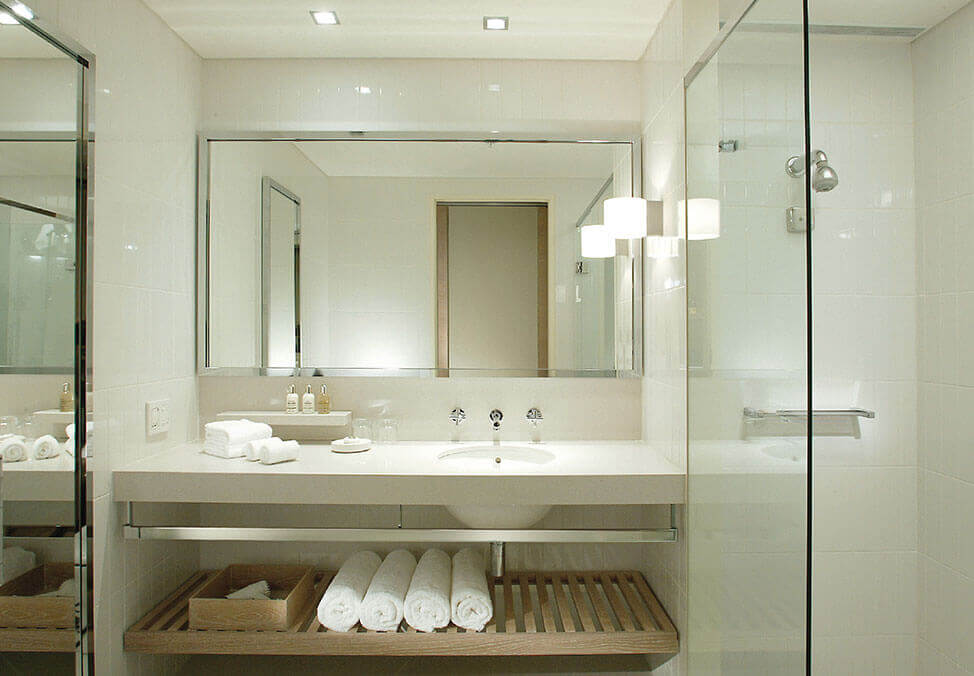 Crown Melbourne Hotel Promenade Standard Twin Bathroom