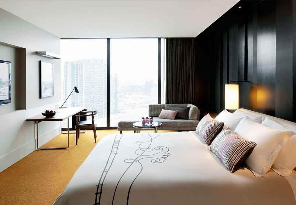 Melb Hotels Crown Metropol Urban Luxe King Bed