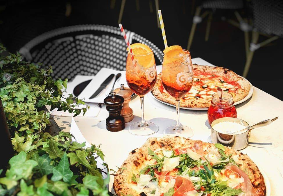 Pizza & Aperol at Gradi Table