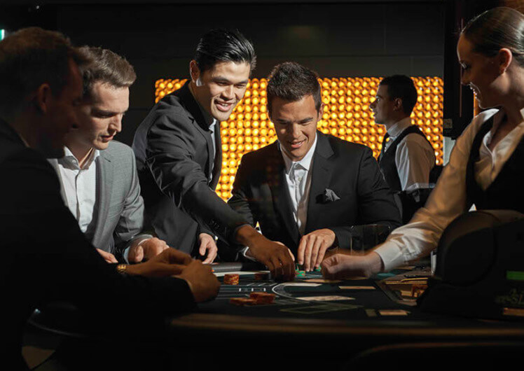 Earn Points in the Casino Floor - Crown Rewards | Crown Melbourne