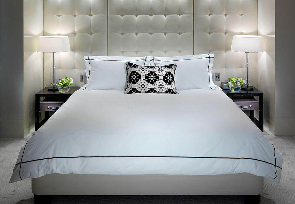 Melb Hotels Towers PremierSuite Bed