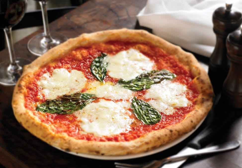 Melb Restaurants Casual Gradi CheesePizza