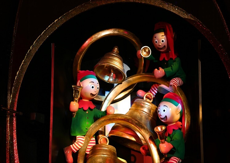 christmas puppet show at crown melbourne