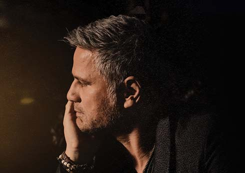 Jon Stevens Raining Hits Tour Vanessa Amorosi Live at The Palms Crown